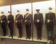 Romanian military uniforms